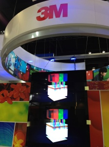 3M's Quantum Dot Enhancement Film demo at DisplayWeek 2013. Bottom display is using quantum dots to achieve a wide color gamut.
